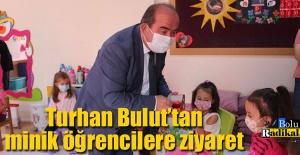 Turhan Başkan, minik öğrencileri yalnız bırakmadı